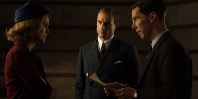 SPILLER I TYLDUM-FILM: Keira Knightley sammen med Benedict Cumberbatch og Mark Strong i «The Imitation Game»