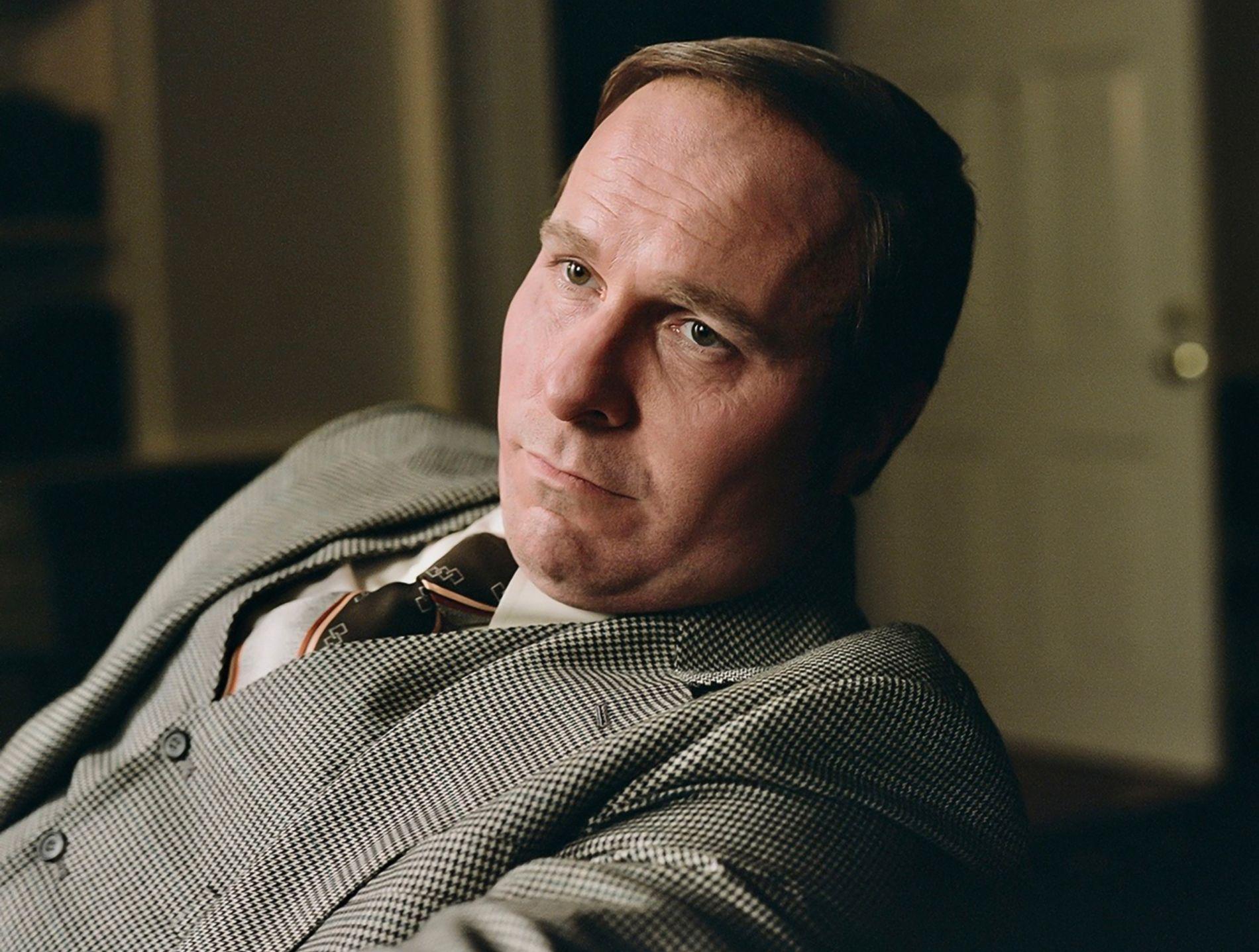 UGJENKJENNELIG: Christian Bale er kjent for sine mange transformasjoner. Her som Dick Cheney i «Vice» som har norsk premiere 1. februar neste år.