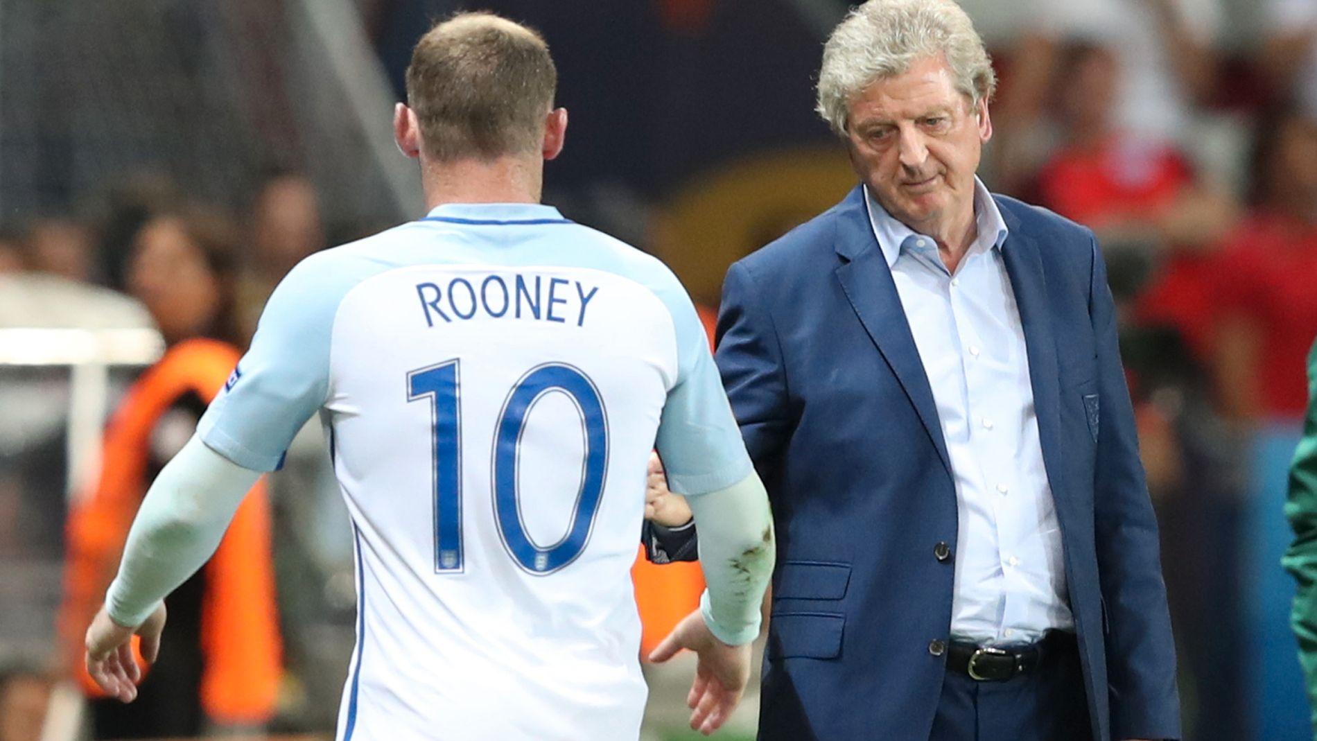 FERDIG: Roy Hodgson tok av sin kaptein mot slutten av Island-kampen, men innbytter Marcus Rashford klarte ikke å snu kampen på de få minuttene som gjensto. Nå er Hodgson ferdig som trener.