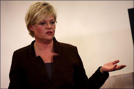 ROLIG: Finansminister Kristin Halvorsen mener norsk økonomi står godt rustet til å møte den internasjonale finansuroen. Foto: Espen Sjølingstad Hoen
