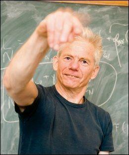KRITISK TIL INDEKSEN: Økonomiprofessor Kalle Moene ved Universitetet i Oslo stiller spørsmål ved FNs fattigdomsmål. Foto: YNGVE VOGT