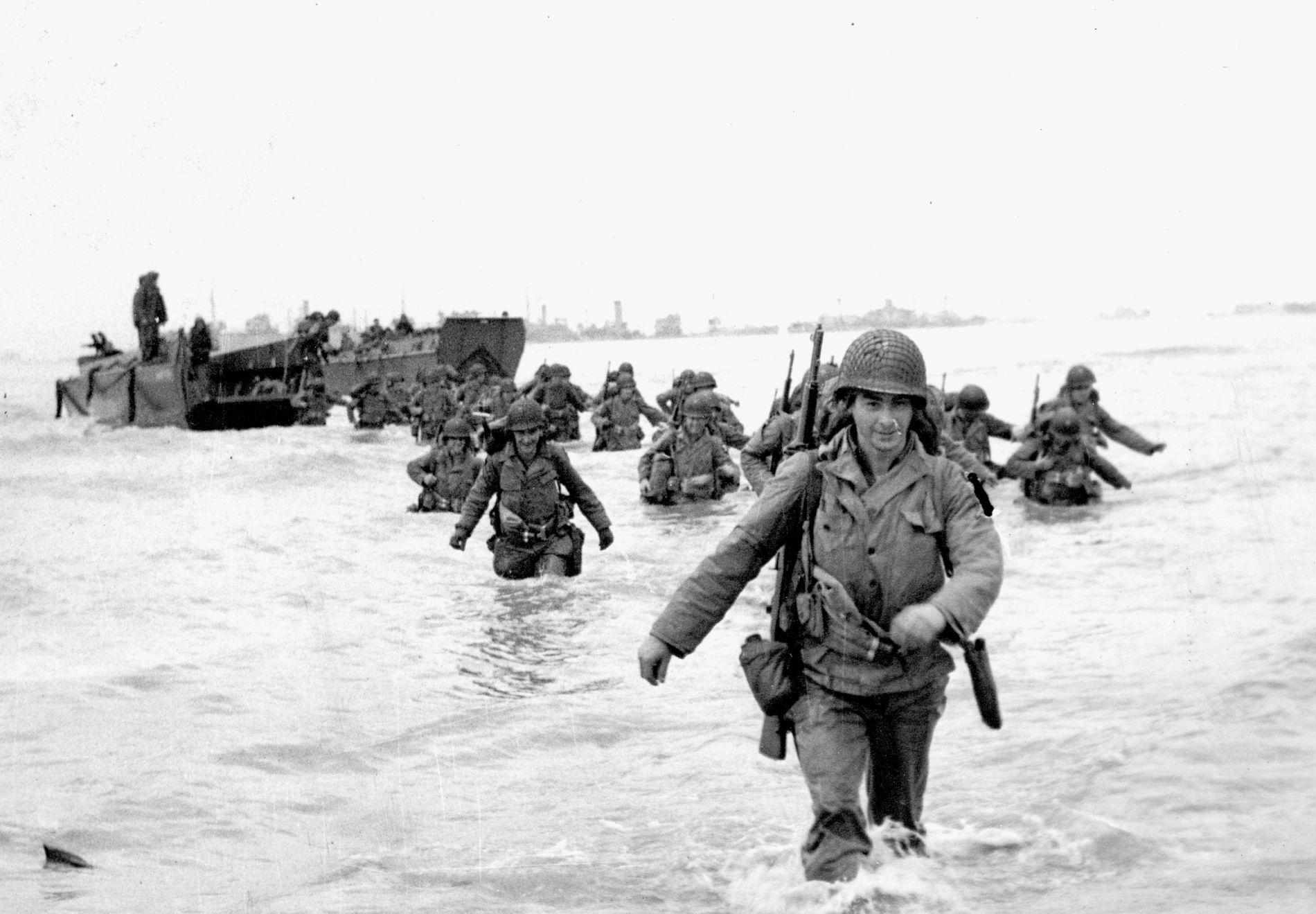 STILLE MELLOM STORMER: Invasjonen i Normandie skjedde mellom to uvær – akkurat som den norske meteorologen hadde varslet.