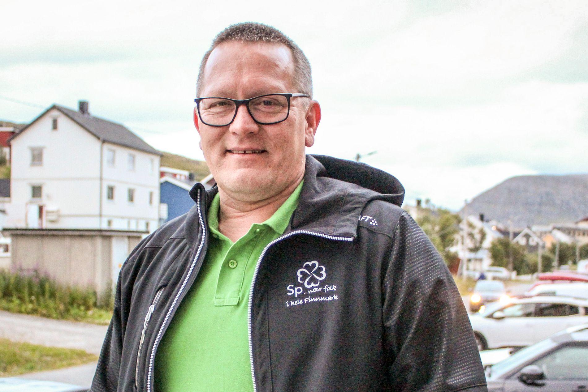 KYST-SP: Tor Harald Mikkola i Nordkapp Sp håper partiet vokser nok i kystkommuner som Nordkapp, Lebesby og Gamvik til å øke fokuset på fiskeripolitikk. Han vil ikke si hvem han vil samarbeide med etter valget.