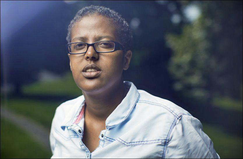 IKKE OVERRASKET: Forfatter Amal Aden forventet ikke at noen ville bli straffeforfulgt etter voldsepisoden i Oslo og stoler på at politiet har gjort jobben sin. Foto: KYRRE LIEN