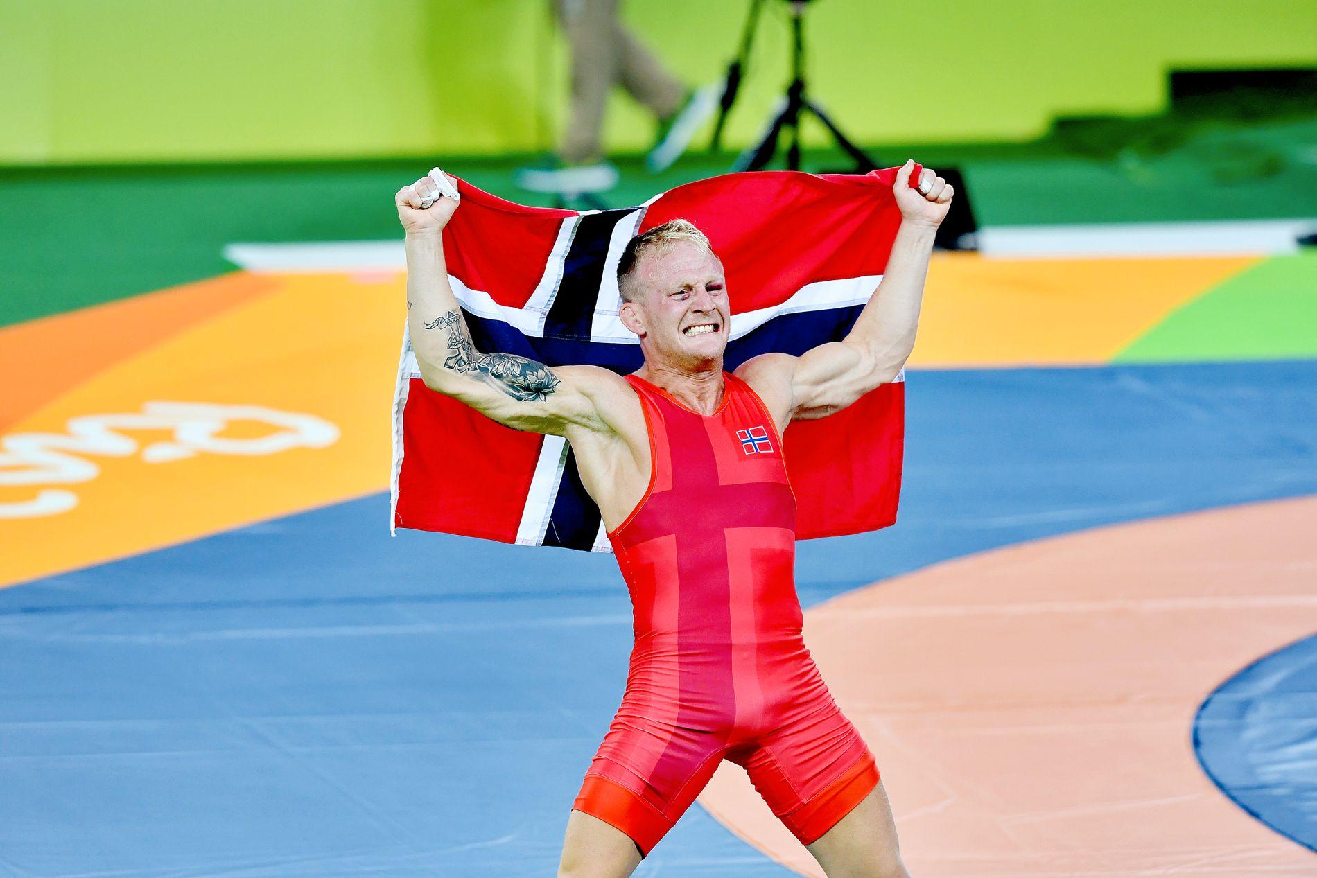 OL-BRAGDEN: Stig-André Berge jubler etter OL-bronsen i 59-kilosklassen i Rio for to år siden.