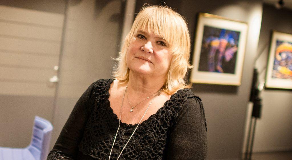 Forbundsleder Jane Sætre i Norsk Jernbaneforbund varsler streik om ikke Vy kommer forbundet i møte.