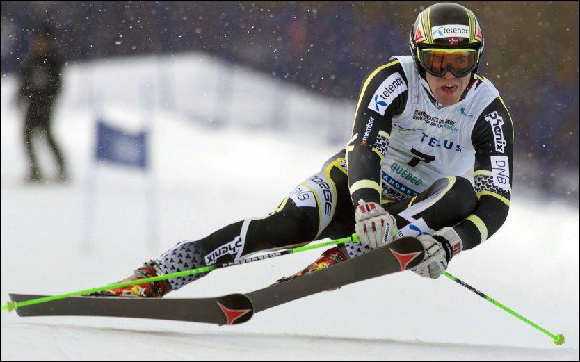 GULLGUTT: Aleksander Aamodt Kilde kan smykke seg med tittelen juniorverdensmester. Her er nordmannen midt i gulløpet. Foto: AP