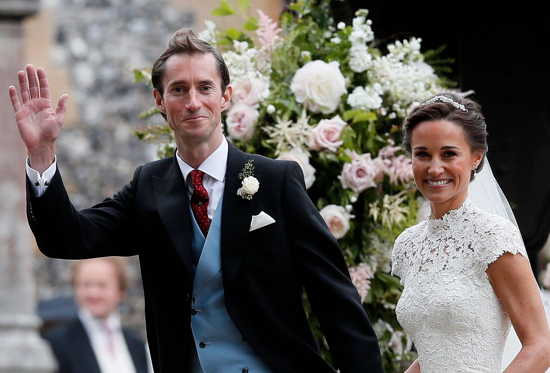 GIFT: Pippa Middleton giftet seg med James Matthews i Englefield 20. mai i fjor.