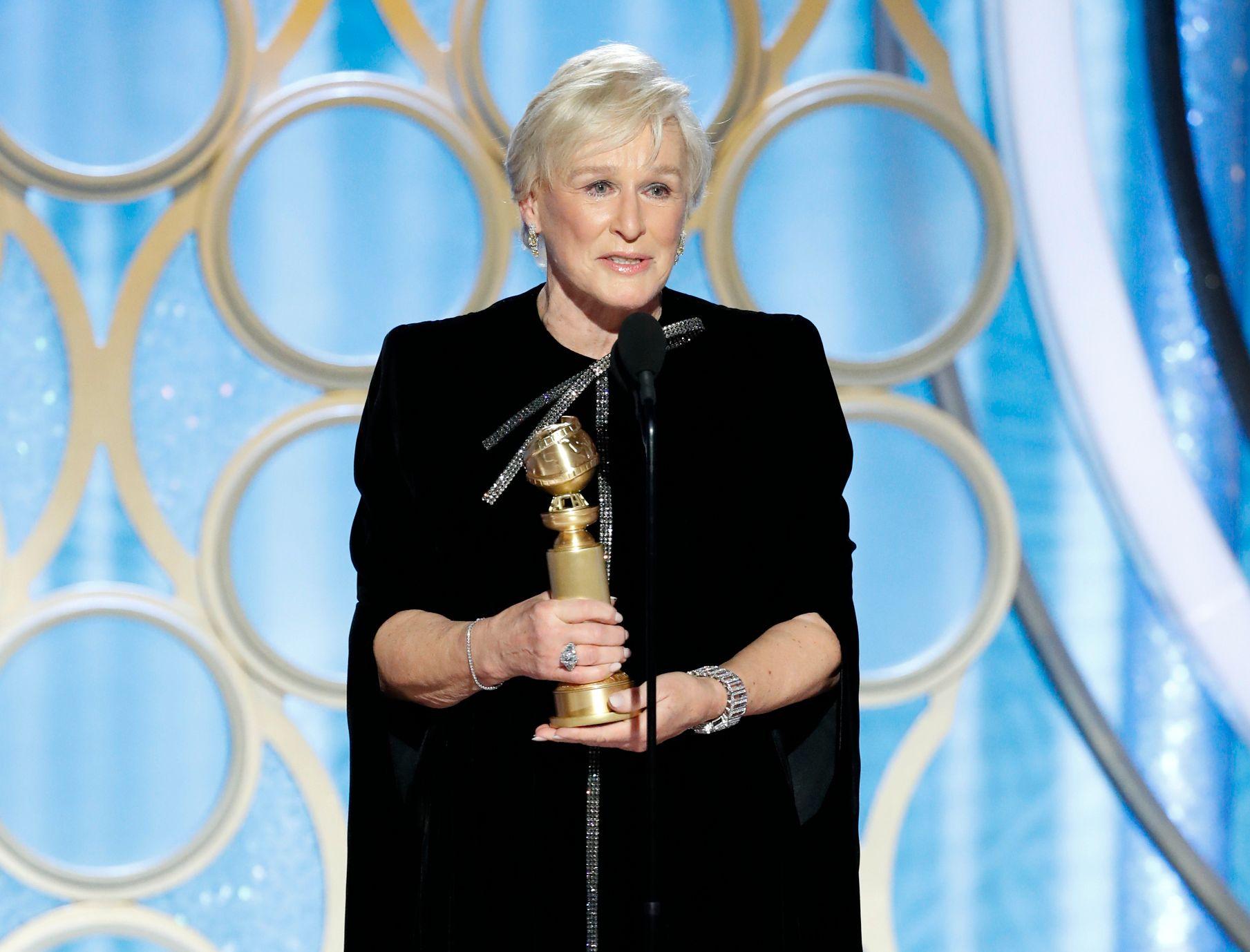 TÅREVÅTT: Glenn Close hyllet sin mor og felte noen tårer da hun takket for sin pris for «The Wife».