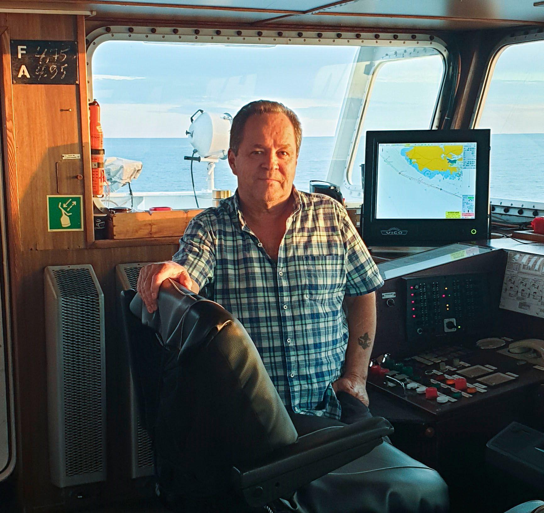 KAPTEIN: Seppo Myllari fra Sverige sto på broen på MS «Falkbris» under hele leteaksjonen i Skagerak.