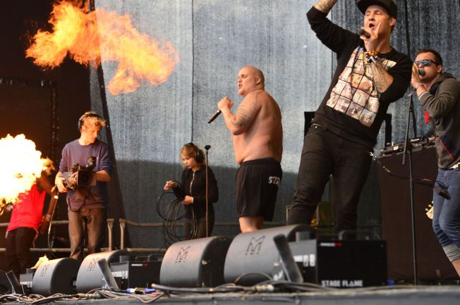 FYR OG FLAMME: Stian «Staysman» Thorbjørnsen og Petter «Katastrofe» Kristiansen laget liv med Lasse «Lazz» Jensen (ikke på bildet) laget liv under VG-lista i Tromsø i fjor.