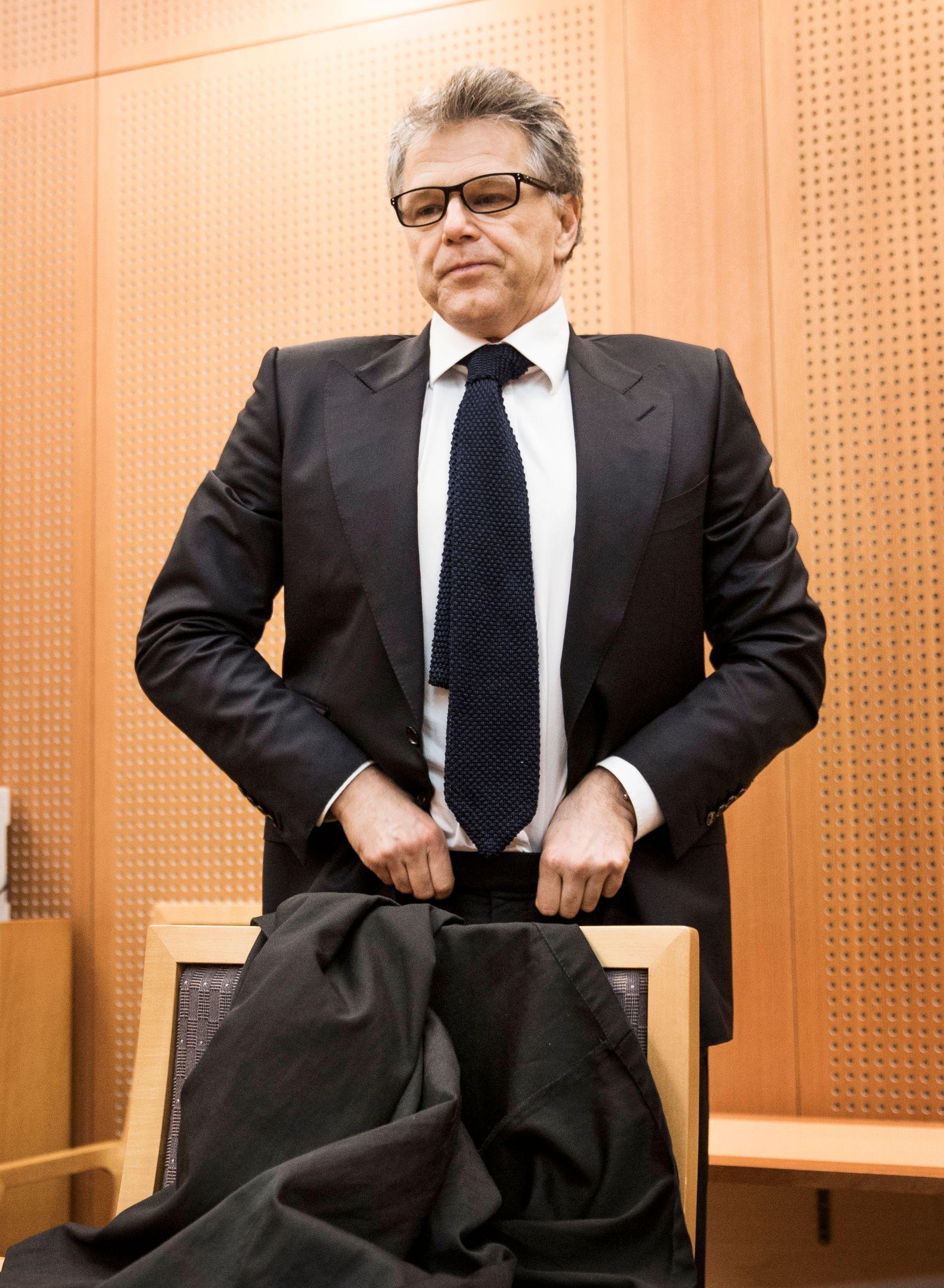 FORSVARER: Advokat Øystein Storrvik.