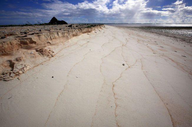 TRUET: Bikeman som er en del av landet Kiribati, i det sentrale Stillehavet. Staten består av 33 atoller og øyer som rager få meter over havet.
