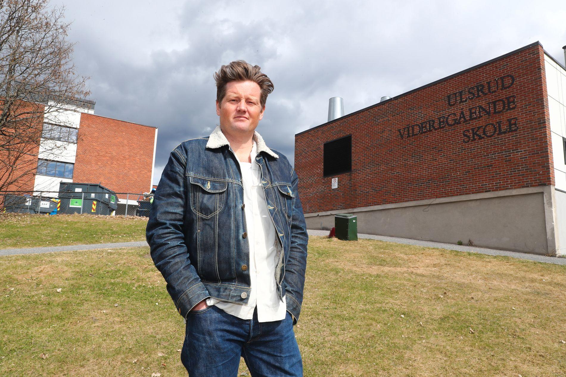FORTSETTER: Lektor Simon Malkenes (44) fortsetter både med undervisning på Ulsrud videregående skole og med ytringer om Osloskolen og skolepolitikk etter at personalsaken mot ham er lagt bort av Utdanningsetaten.
