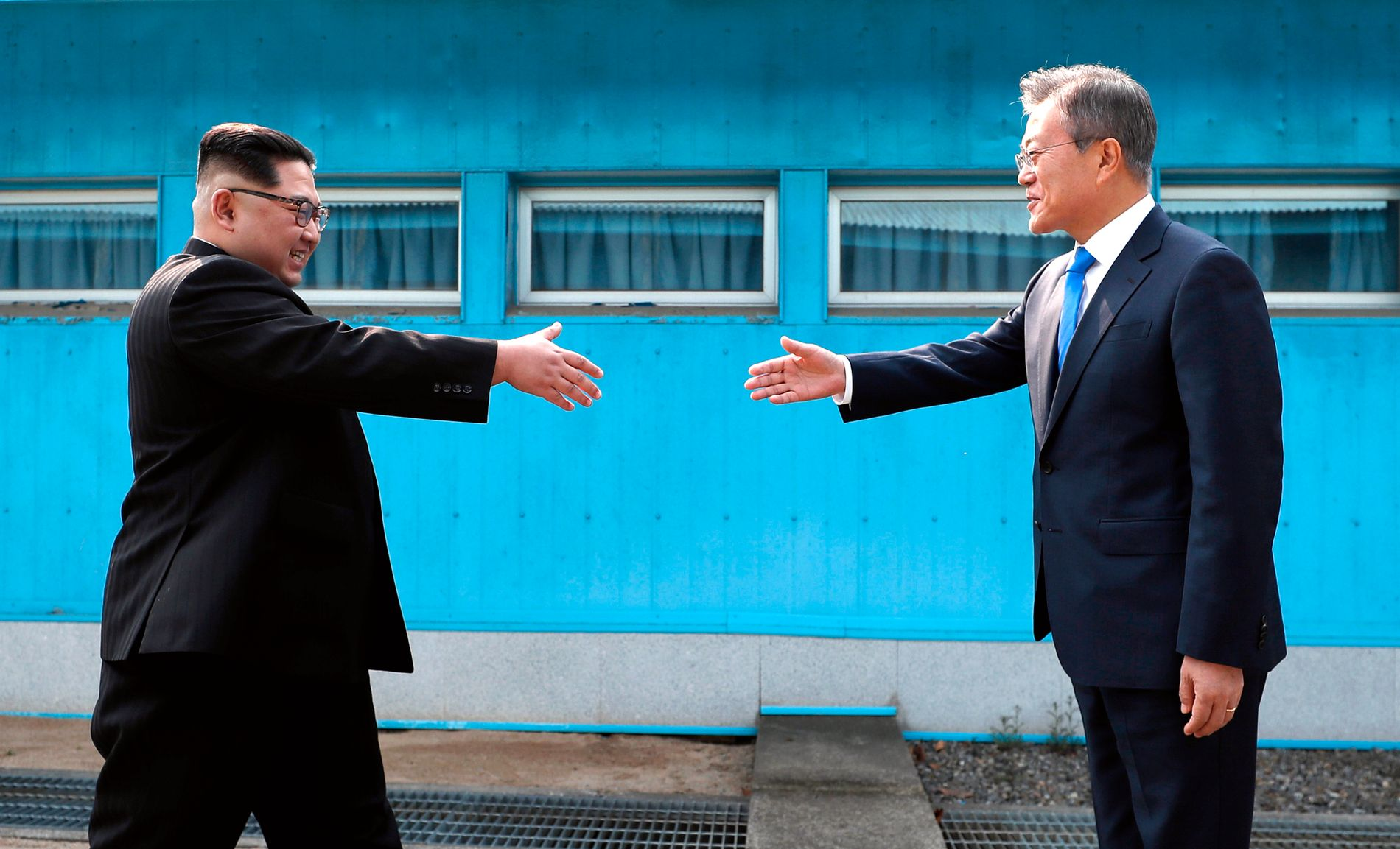I APRIL: Den siste måneden har Kim Jong-un og president Moon Jae-in hatt en stadig mer positiv tone. Nå har klimaet endret seg.