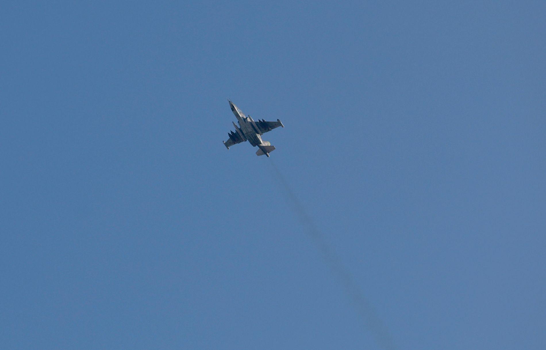 RUSSISK KAMPFLY: Det er et kampfly av denne typen, en sukhoi-25, som skal ha blitt skutt ned lørdag.