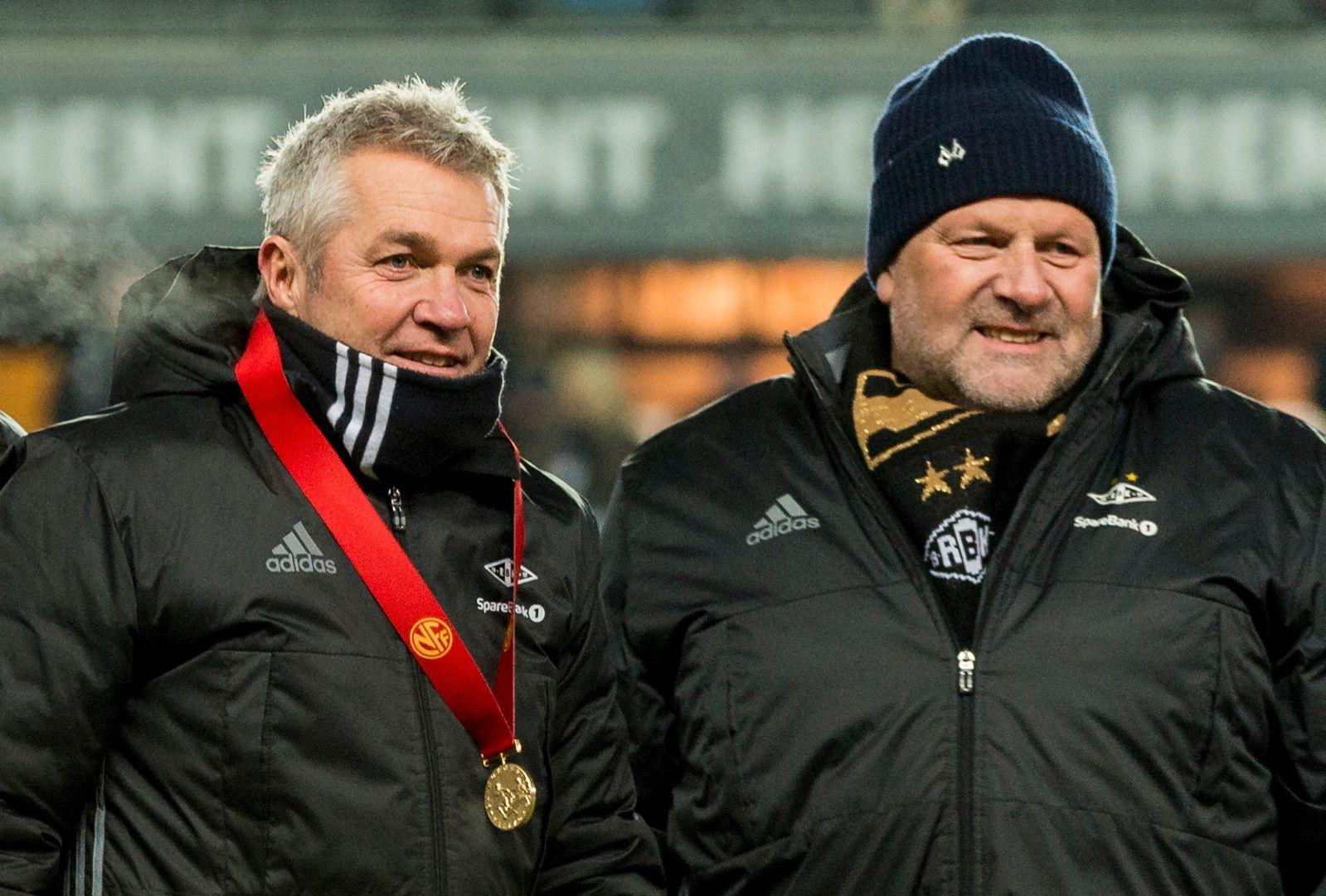 RBK-TOPPER I GULLRUS: Trener Kåre Ingebrigtsen sammen med styreleder Ivar Koteng, her fra seriekampen mot Bodø/Glimt i 2016 på Lerkendal.