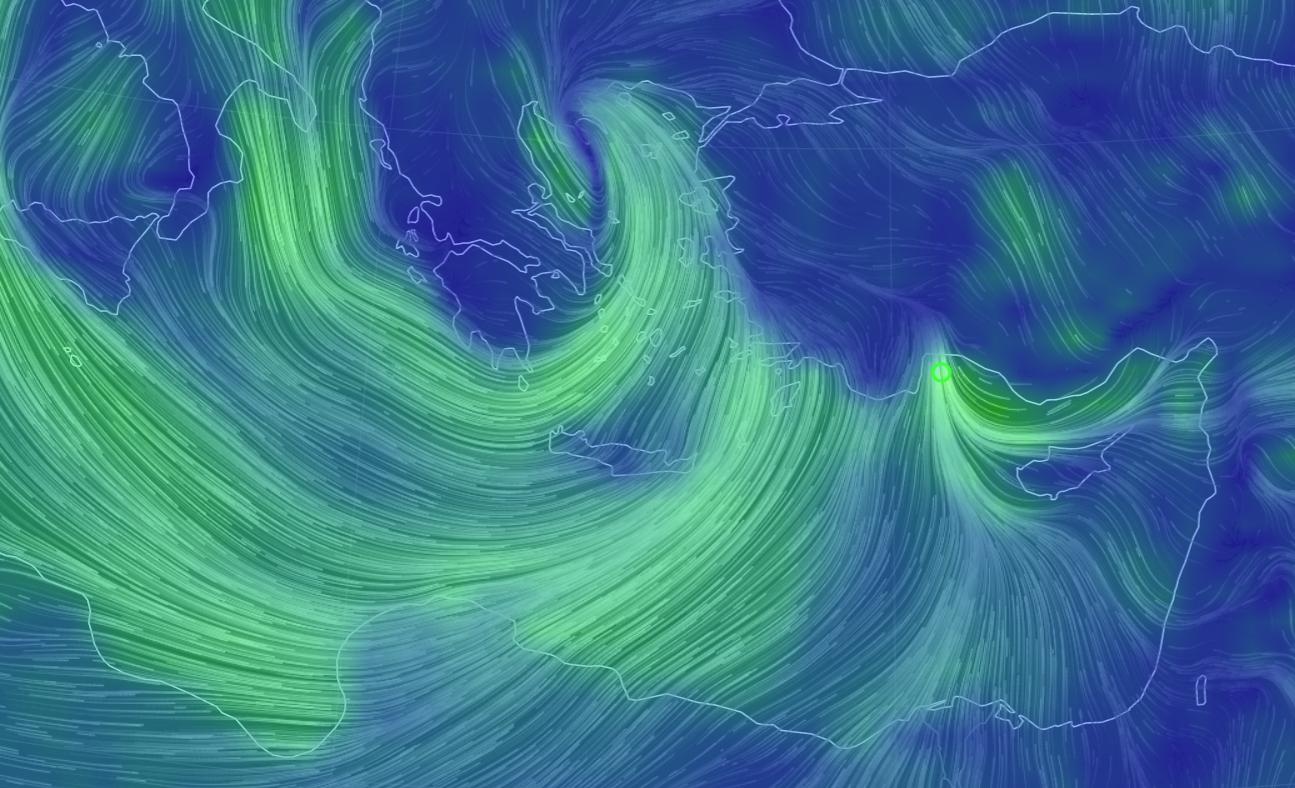 EKSTREMVIND: Vindkartet fra Earth Nullschool viser uvær over det østlige Middelhavet lørdag morgen, med en lokal forsterkning på nærmere orkans styrke ved Antalya i Tyrkia – til høyre i kartet.