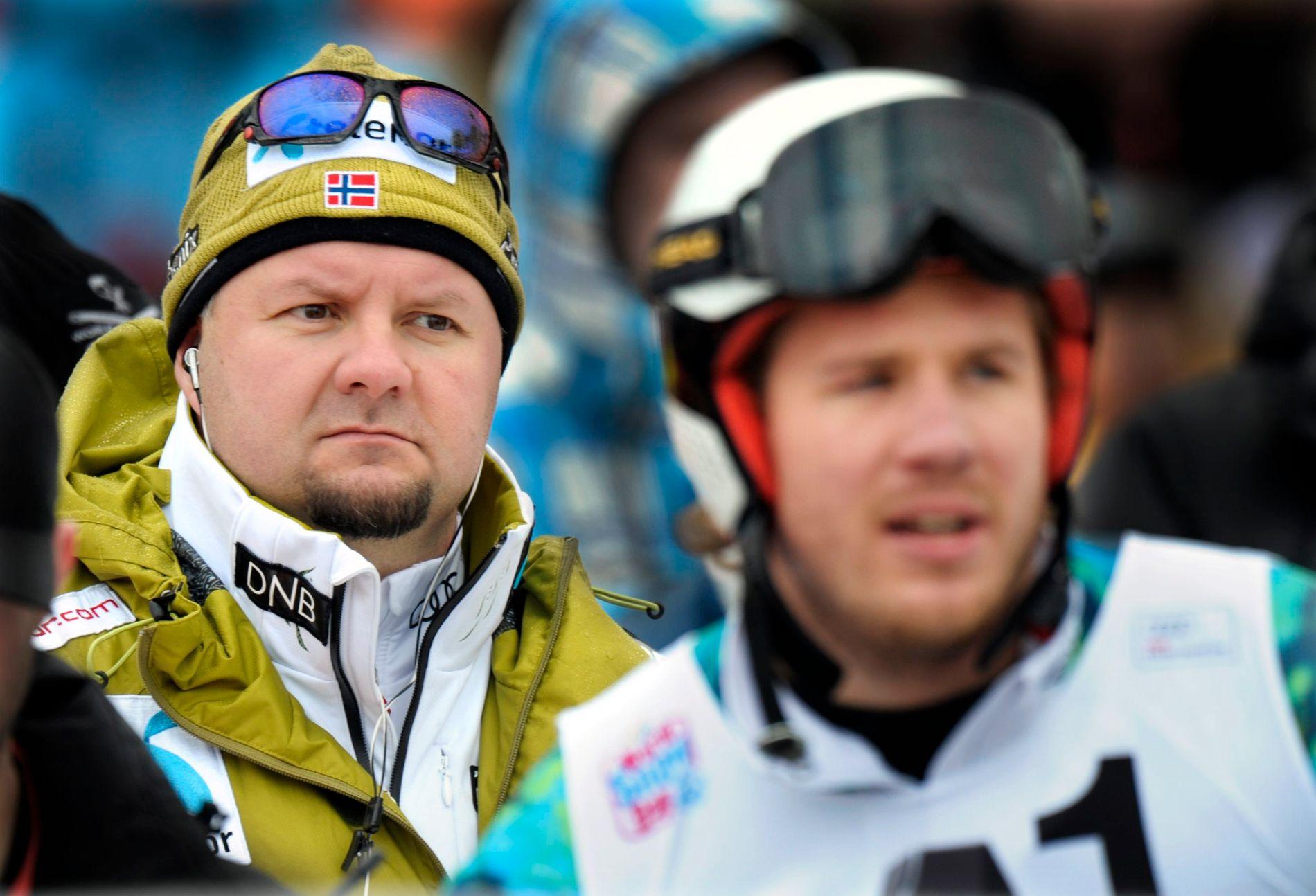 ØKONOMISK HEKT: Claus Ryste er sportssjef for alpinlandslagene. Her er han avbildet under det berømte Kitzbühel-rennet med stjernealpinisten Kjetil Jansrud i forgrunnen.