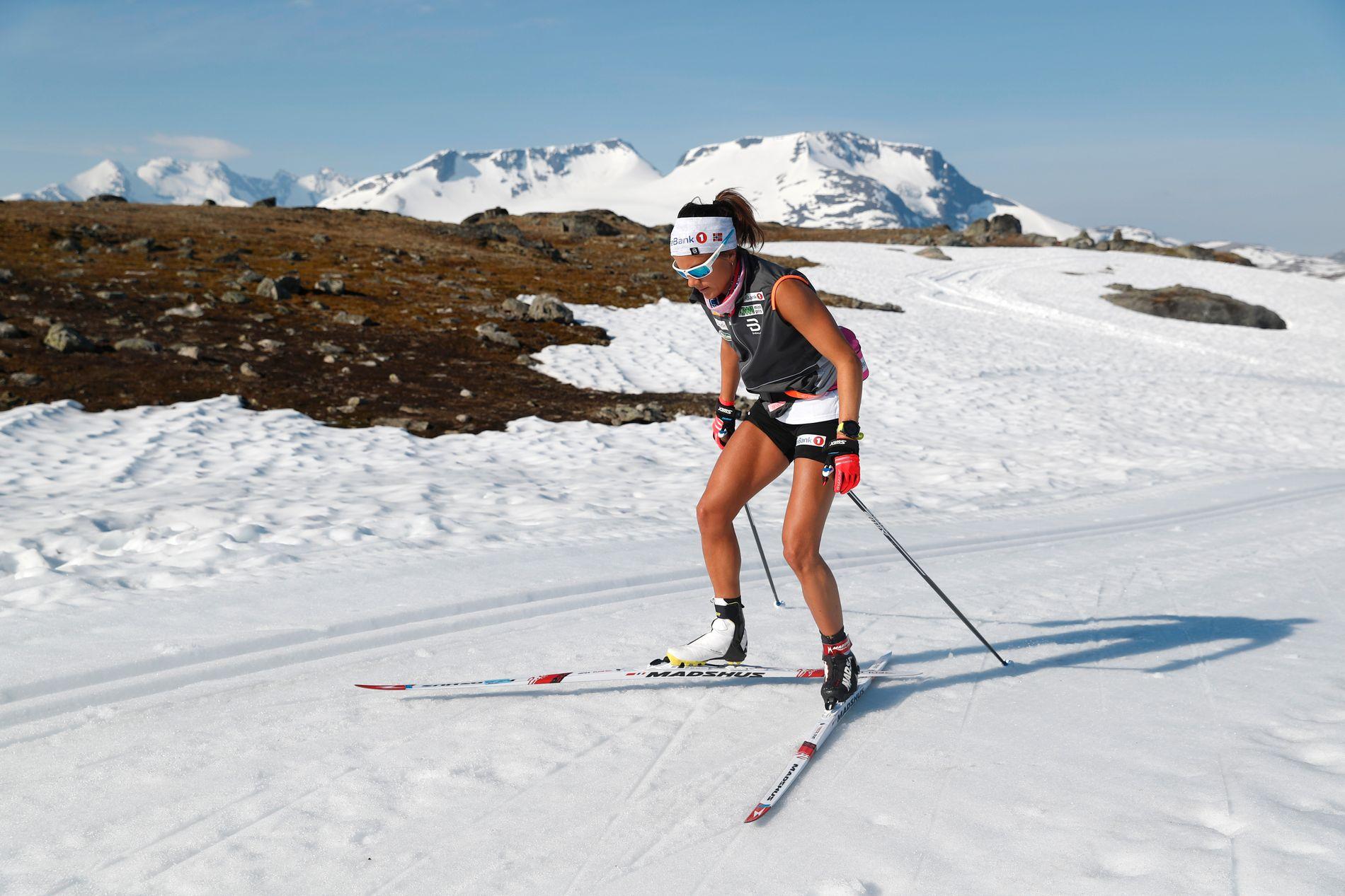 SOMMER: Heidi Weng på landslagssamling på Sognefjellet. Hun er fornøyd med at eks-svigerfar Ole Morten Iversen er ny landslagstrener.