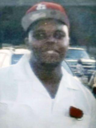 DREPT: Den ubevæpnede tenåringen Michael Brown skal ha blitt truffet av minst seks skudd, avfyrt av politiet i St. Louis. Foto: AP
