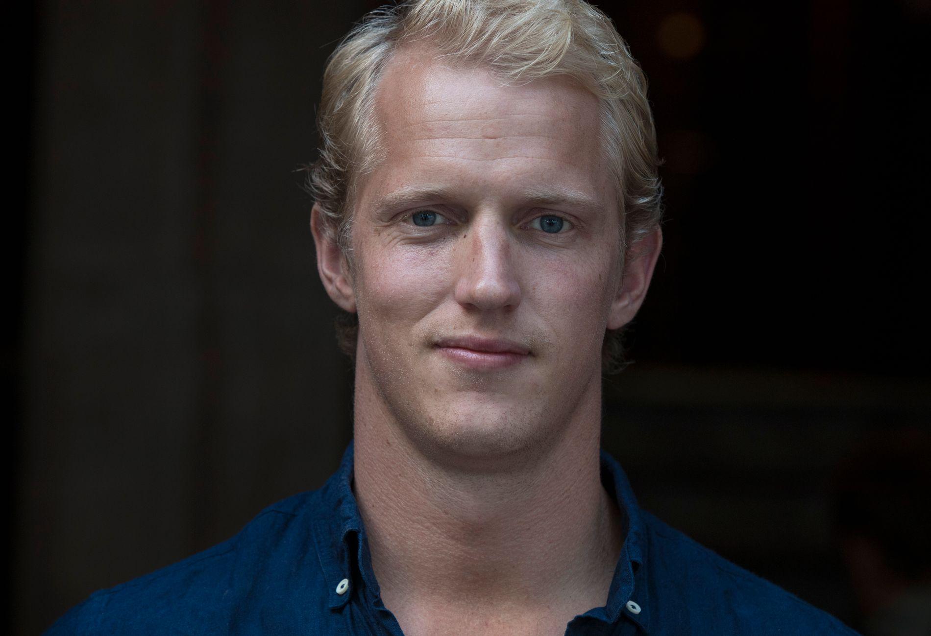 NY KJÆRESTE: Erik Follestad Johansen har funnet lykken med Annie Winquist.
