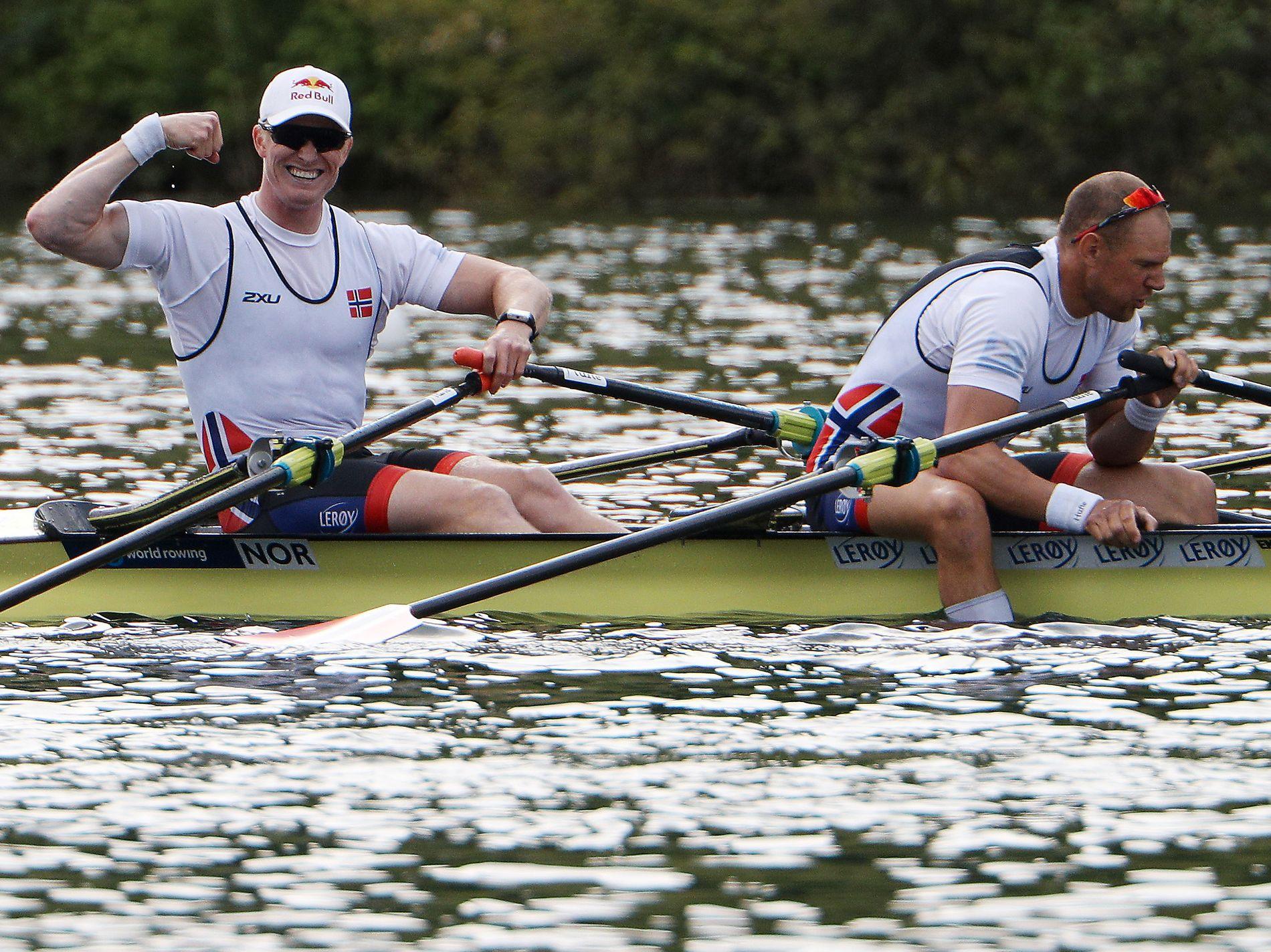 TIL OL: Kjetil Borch og Olaf Tufte etter seieren i finalen i Sveits.