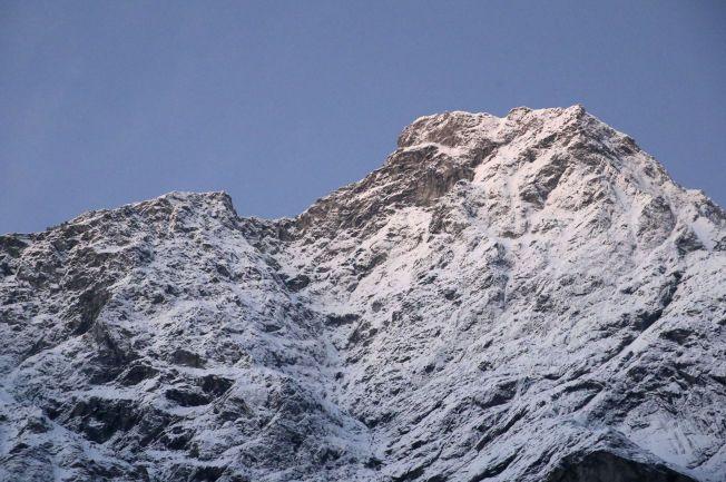FARLIG: Det er anslått at et steinras som tilsvarer 12.000 lastebillass kan dundre ned og forårsake et av de største skredene i Norge i nyere tid når Mannen faller.