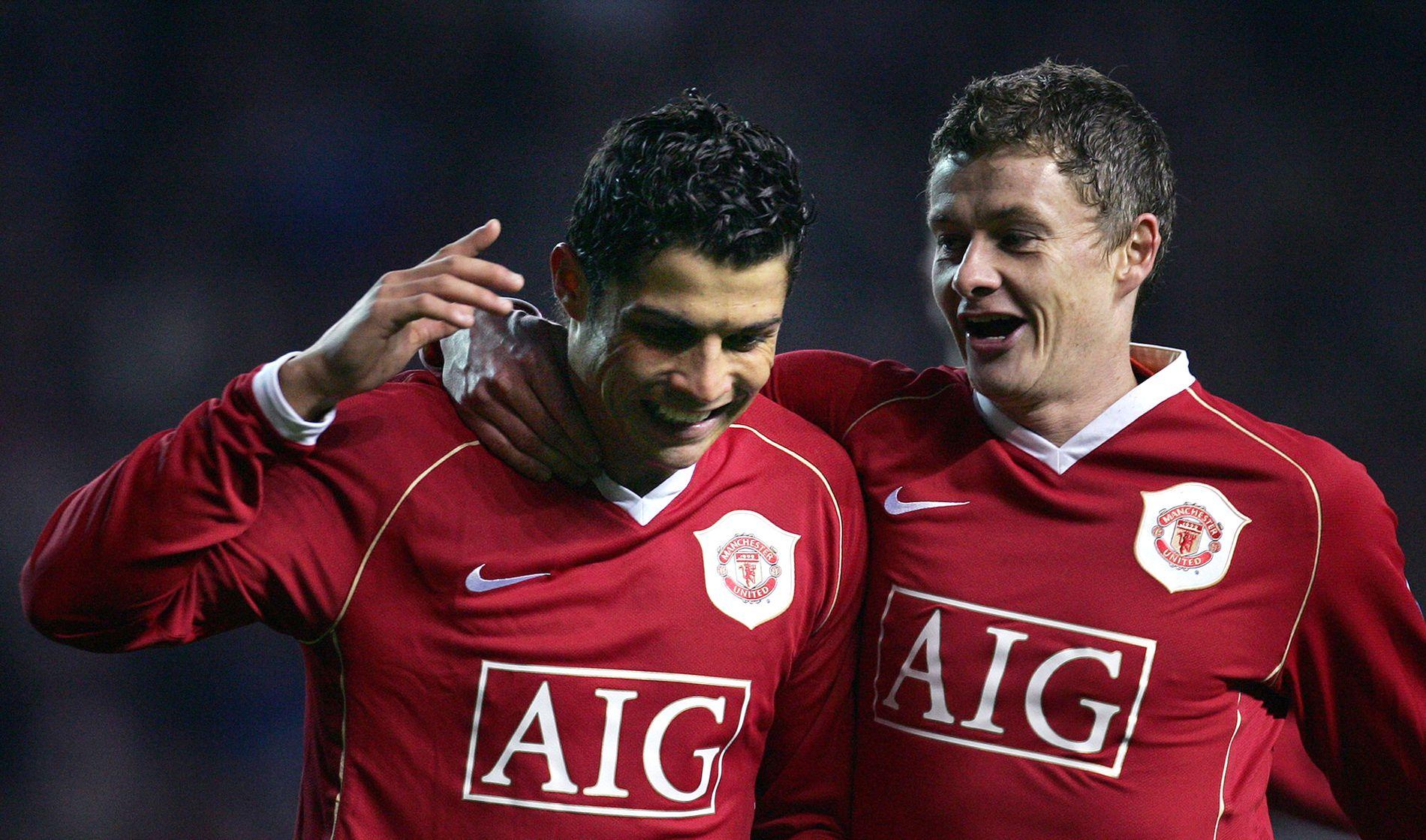 SLÅR RONALDO: Her jubler Cristiano Ronaldo og Ole Gunnar Solskjær sammen for mål mot Wigan i 2006. Statistikken viser at Solskjærs effektivitetstall er bedre enn de aller, aller fleste i PL-historien. Deriblant Ronaldo.