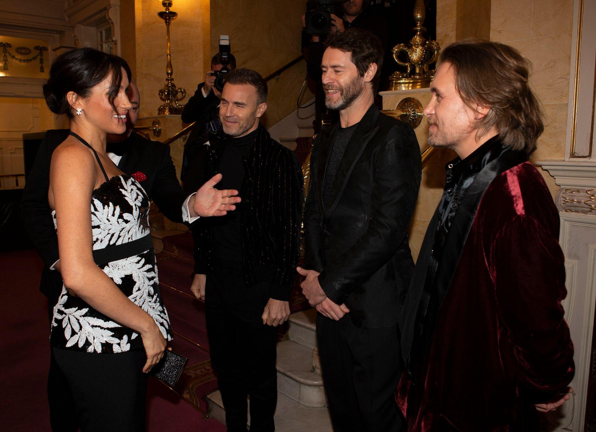 TAKE THAT-MØTE: Meghan og  Gary Barlow, Howard Donald og Mark Owen fra «Take That»