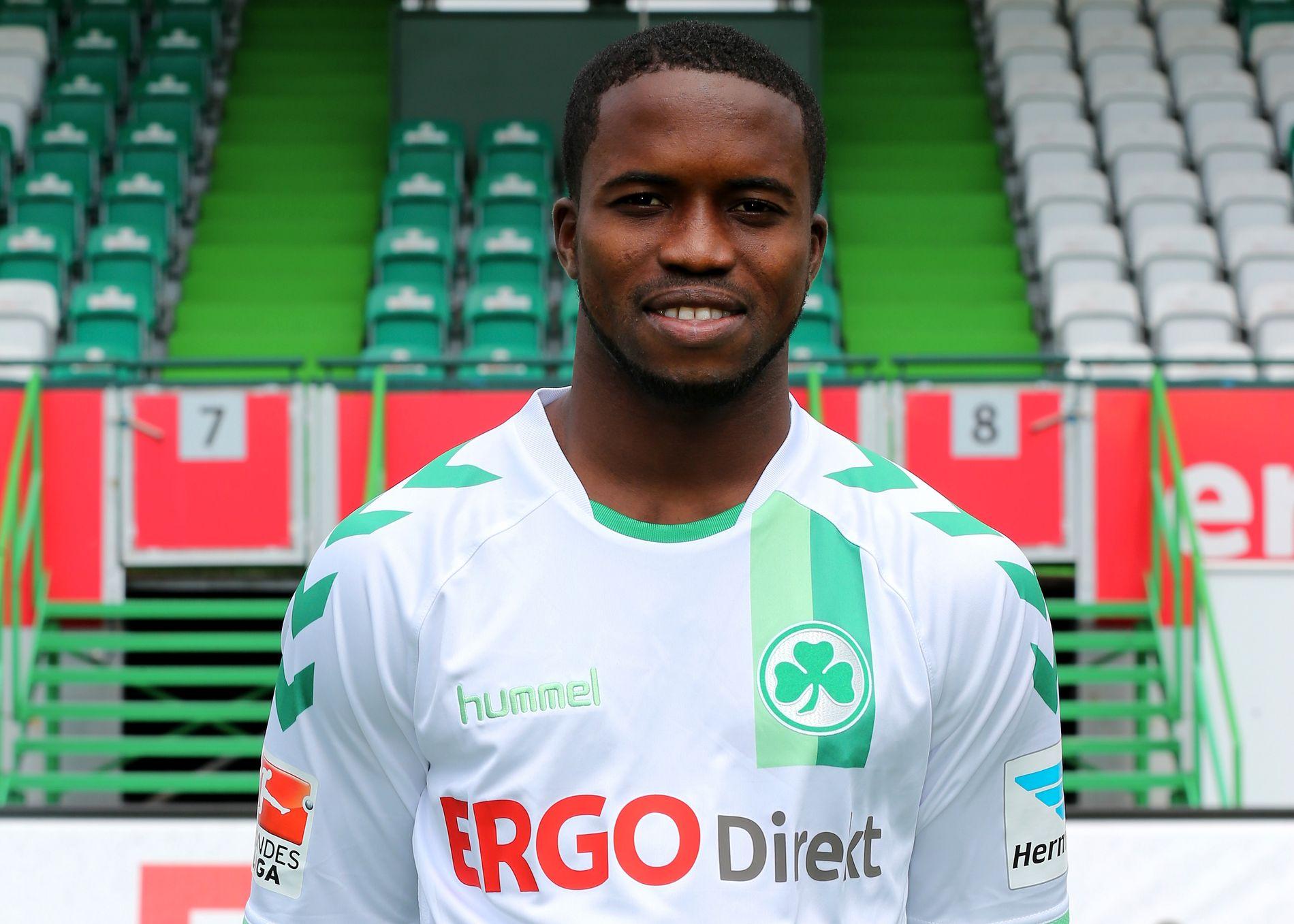 BLE ALDRI CITY-SPILLER: George Davies ble hentet fra FC Johansen i Sierra Leone. Manchester City ville «parkere» ham i akademiet Right to Dream inntil han var gammel nok til å hentes.