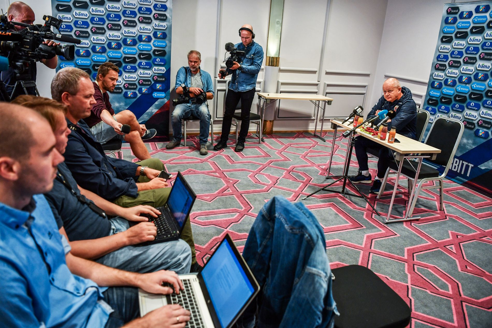 Per-Mathias Høgmo pressekonferanse fotballandslaget før VM-kvaliken mot Tyskland. Foto: BJØRN S. DELEBEKK, VG