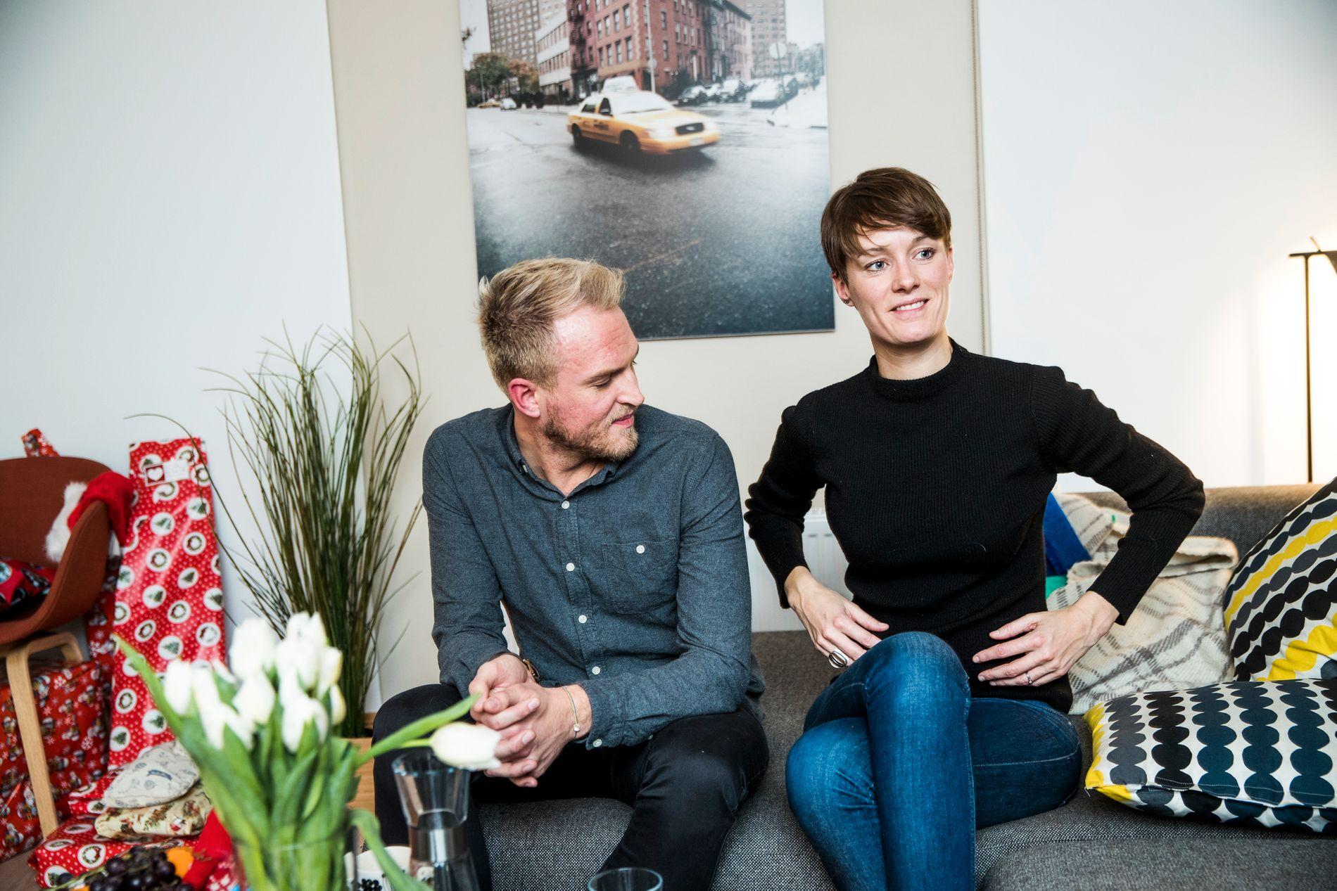 BLIR FORELDRE: Stortingsrepresentant Anette Trettebergstuen (Ap) og rådgiver Christian Berg i Kreftforeningen skal ha barn til våren 2017. Her hjemme i Trettebergstuen sin stortingsleilighet i Oslo.