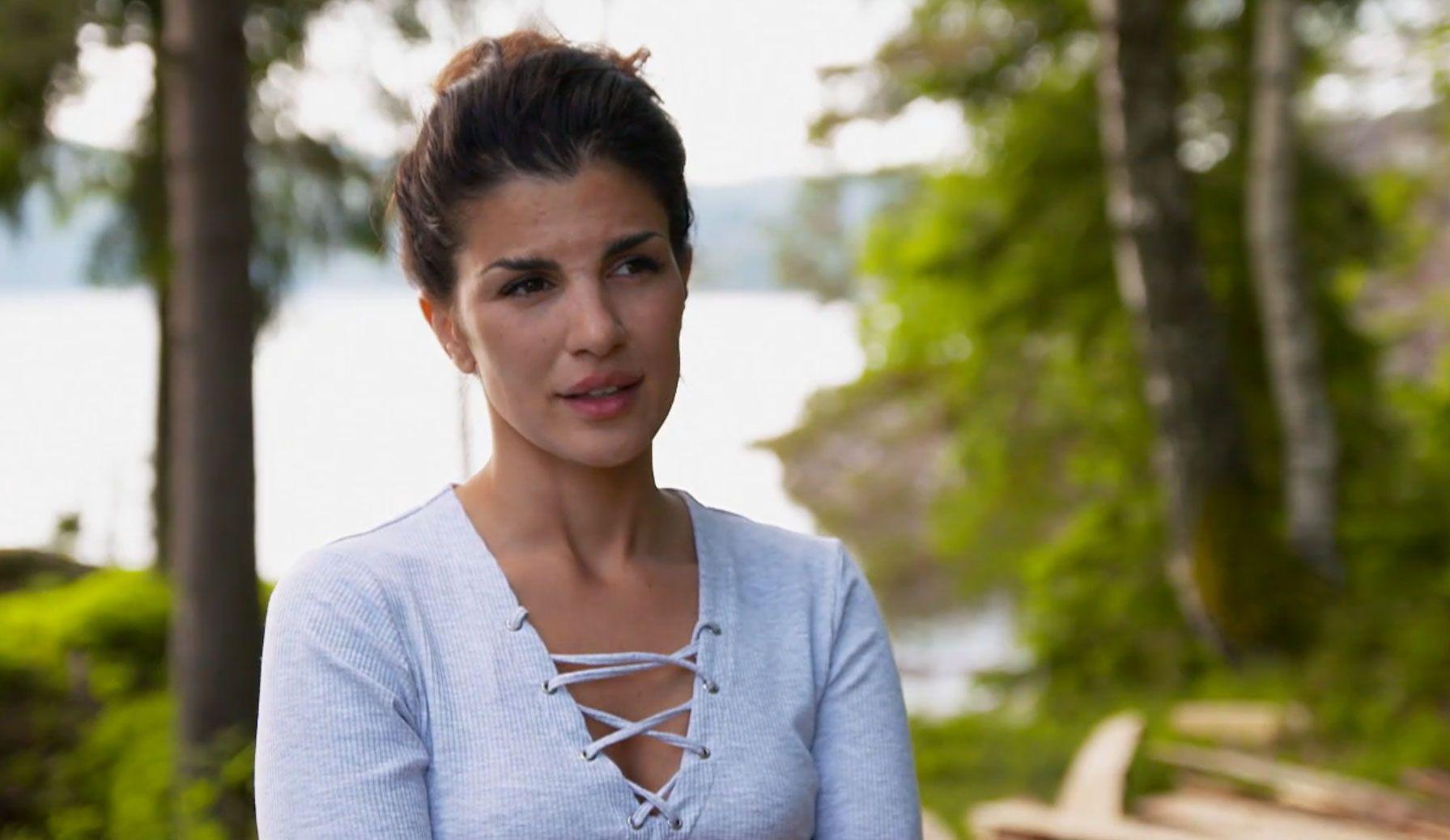 BRÅ EXIT: Aylar Lie når hun snakker om at hun må forlate gården på grunn av dødsfall i familien.