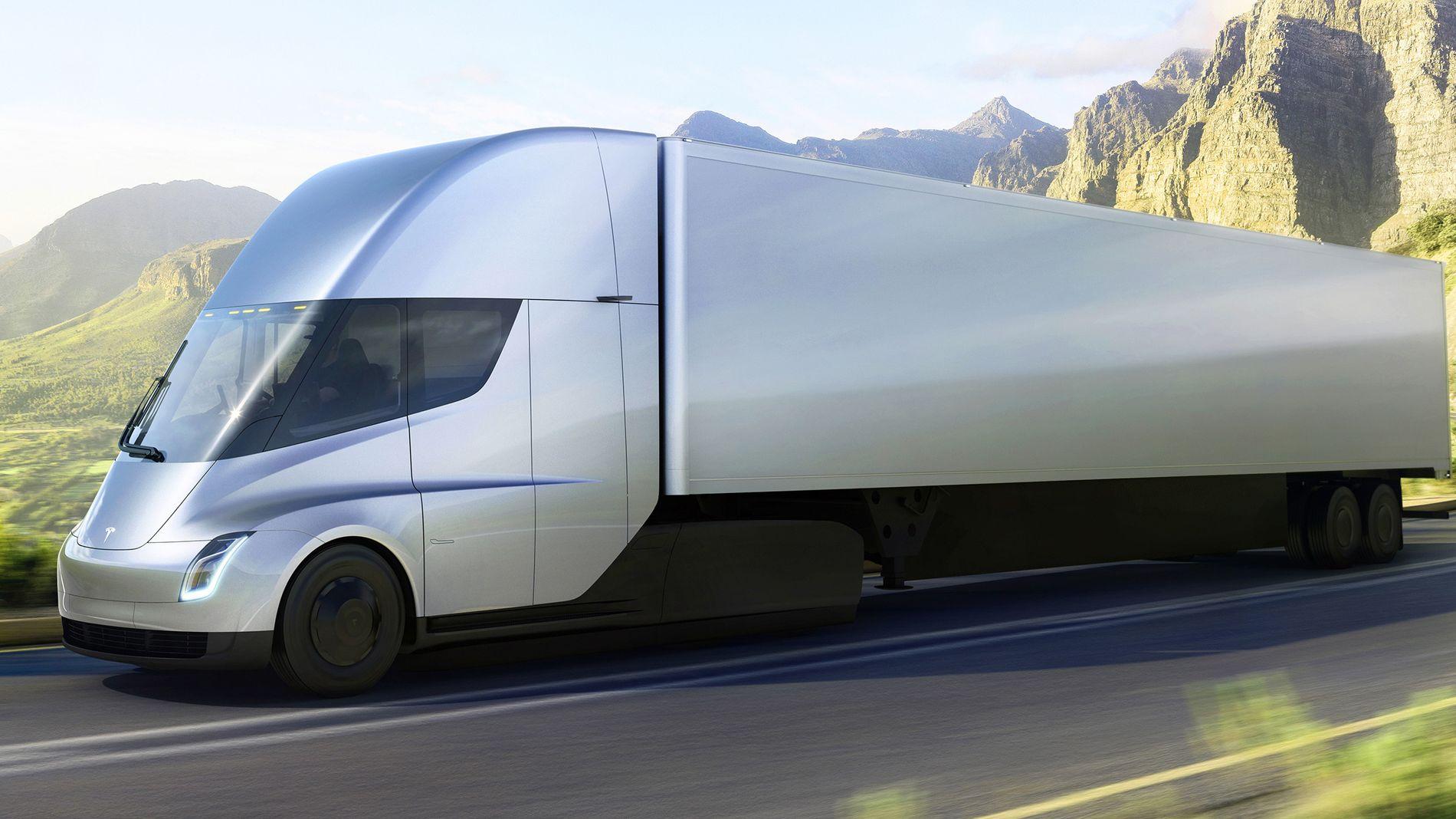 AVSLØRER PRIS: Teslas ellastebiler ble lansert i forrige uke.