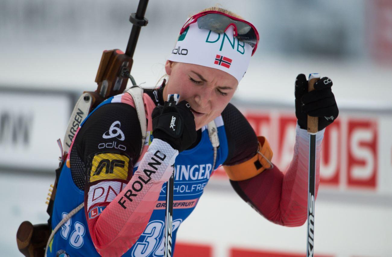 HELT FERDIG: Marte Olsbu gjennomførte sin første konkurranse siden i sommer og fikk det tøft i løypa. Hun endte til slutt på en 21. plass.