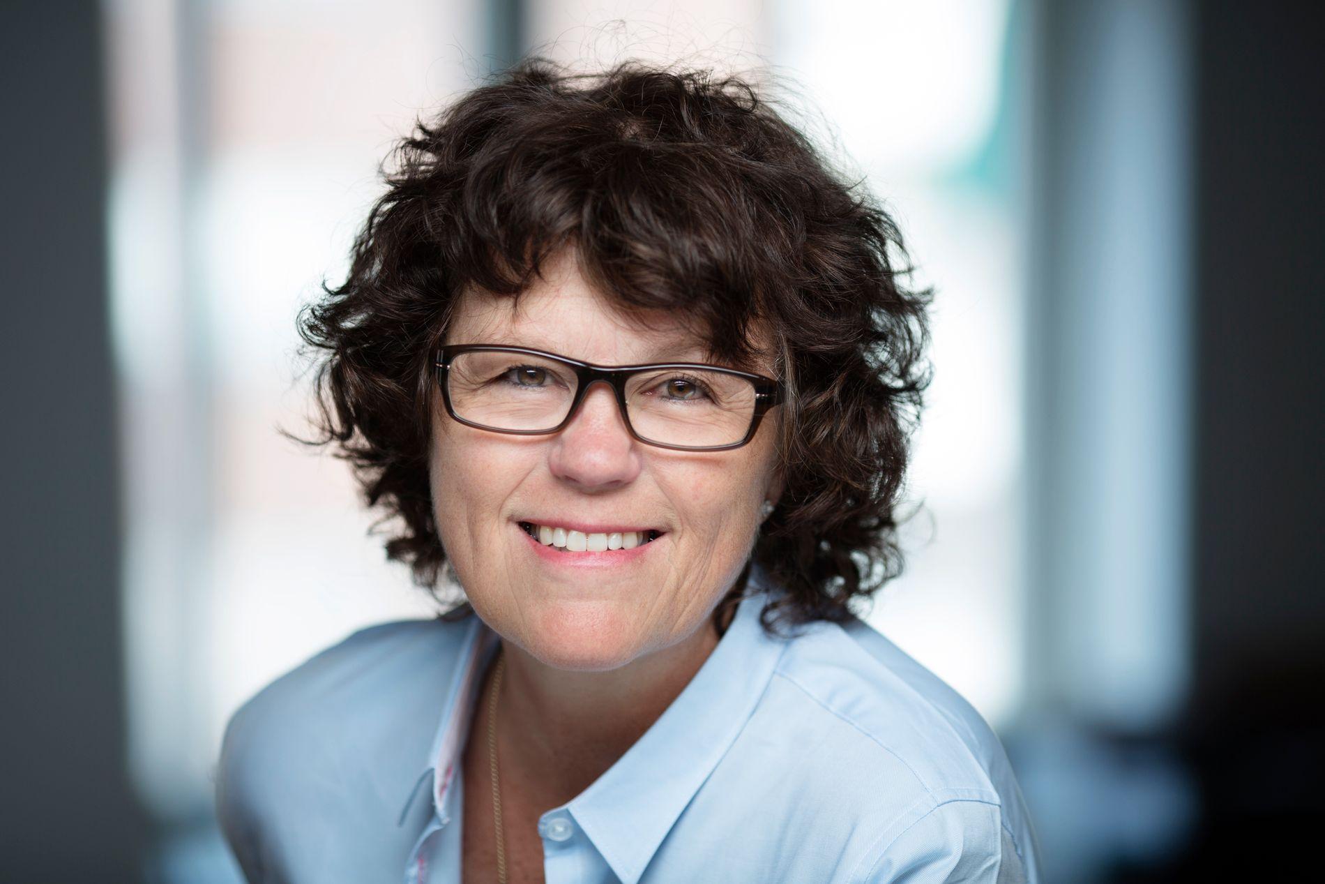 MISFORNØYD MED KURSEN: Forfatter og tidligere justisminister Anne Holt har stemt Ap hele livet. Men i år sitter det svært langt inne.