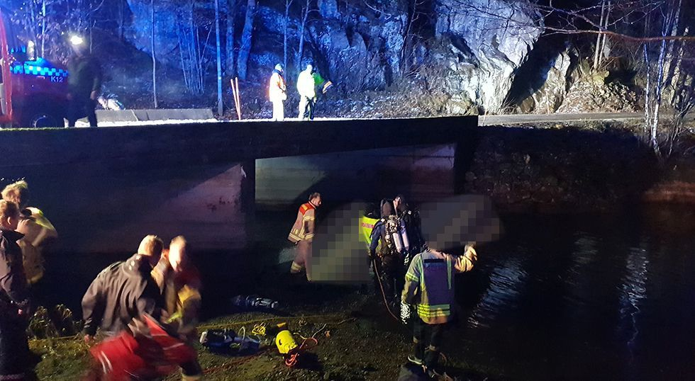 OMKOM: Én person ble funnet livløs i bilen ved Trondstadstemmen bro.
