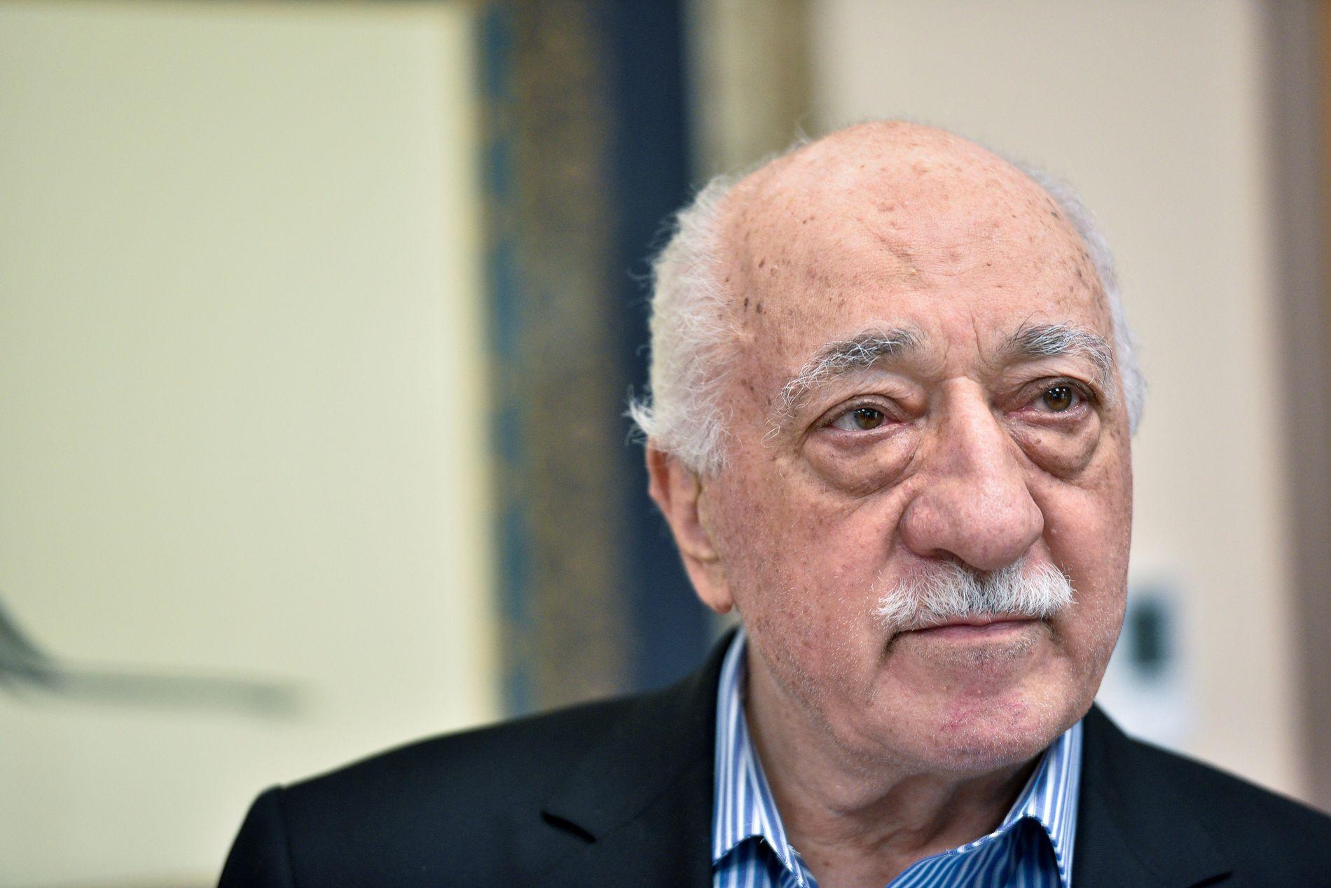HOVEDFIENDEN: Fethullah Gülen og hans bevegelse var lenge støttespillere for Erdogan, men etter Gülens støttespillere kom med korrupsjonsanklager regjeringen i 2013, utviklet det seg en maktkamp mellom de to.