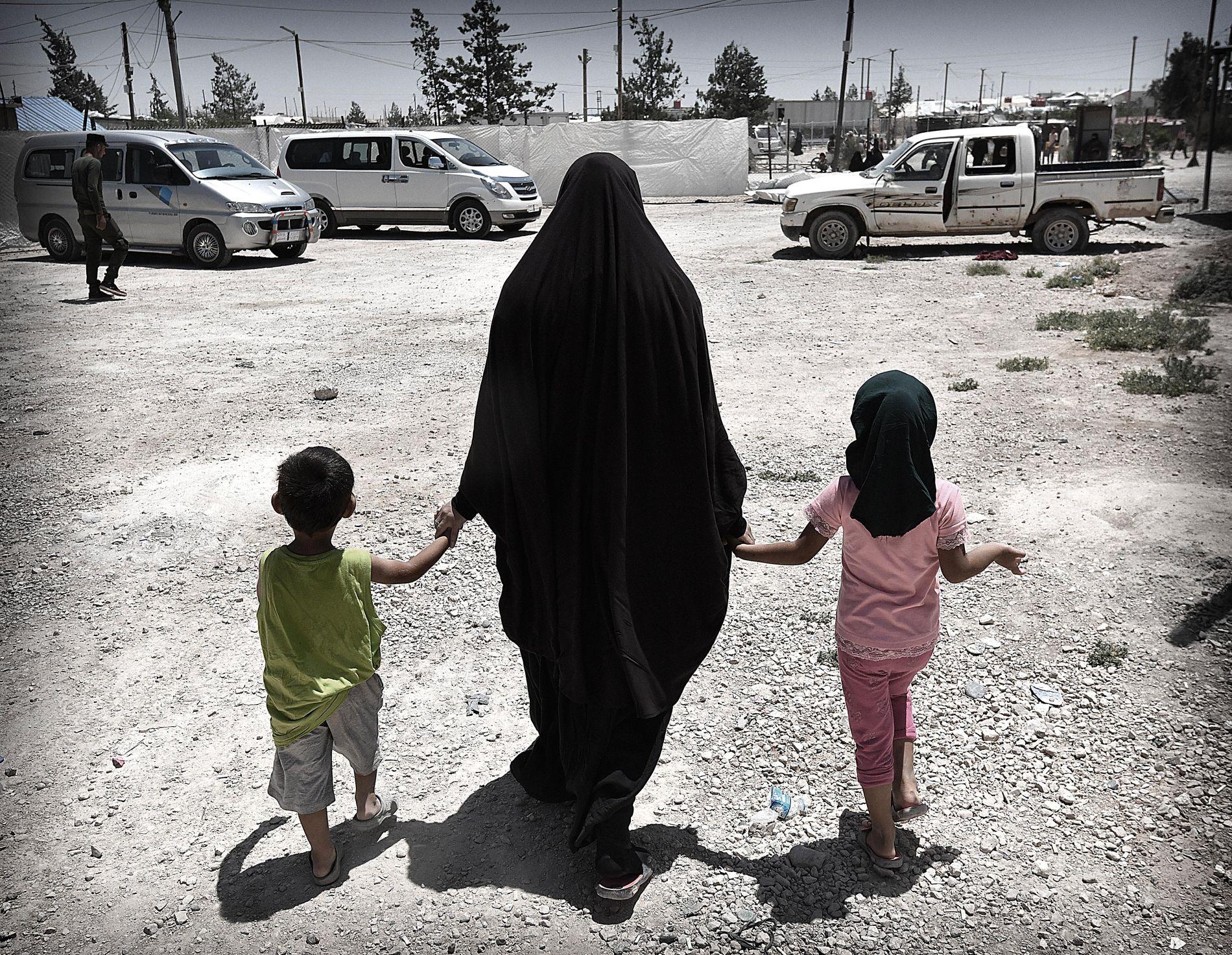 INTERNERT: IS-kvinner fra Europa er internert i fange- og flyktningeleiren al-Hol nordøst i Syria.