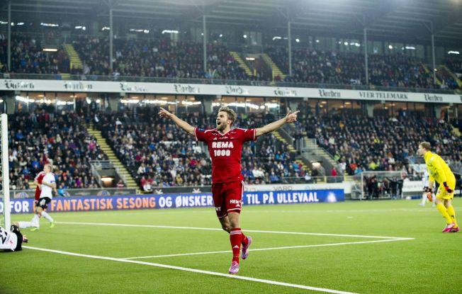 SØLVSCORING?: Jørgen Skjelvik jubler etter å ha scoret RBKs mål mot Odd Grenland.