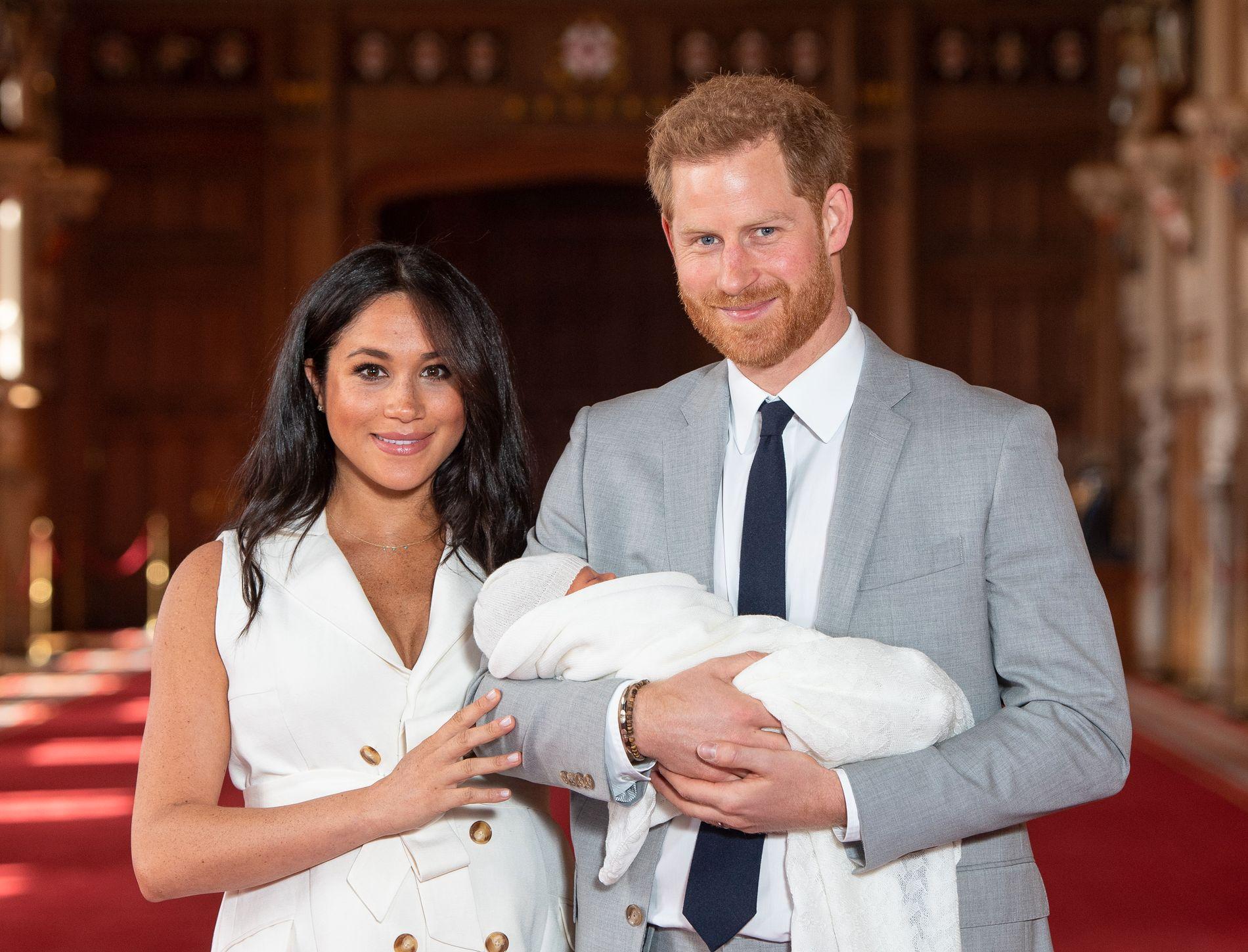 FORELDRE: Hertuginne Meghan og prins Harry ble foreldre til Archie tidligere i mai.