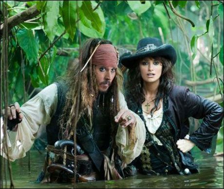 - KJÆRLIGHET-HAT-FORHOLD, sier Johnny Depp om Jack Sparrows forhold til Penelope Cruz' rollefigur. Foto: Fra Filmweb