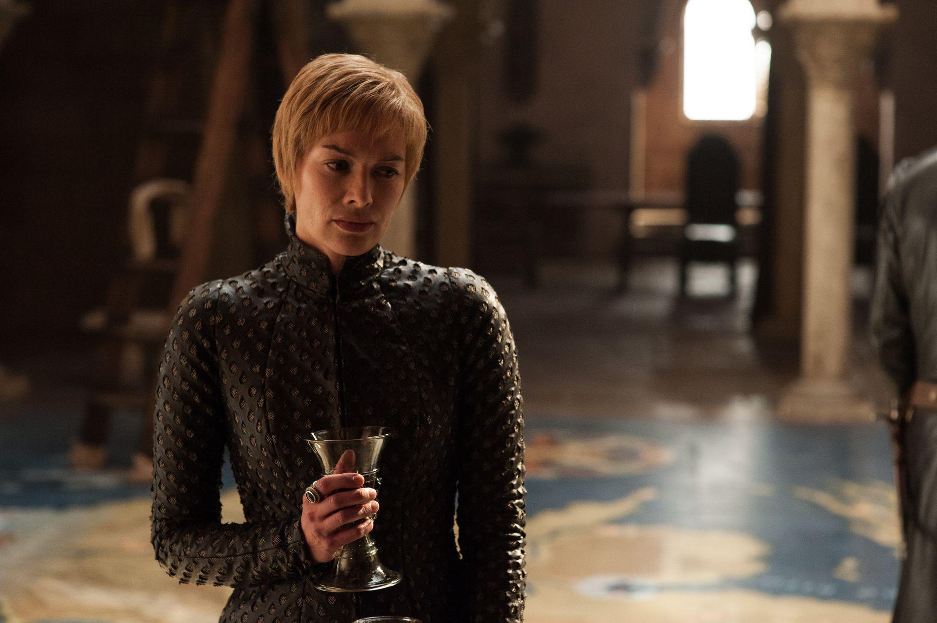 STYRER PÅ: Cersei Lannister (Lena Headey) er fremdeles overbevist om at hun er dronningen over alle konger i Westeros.