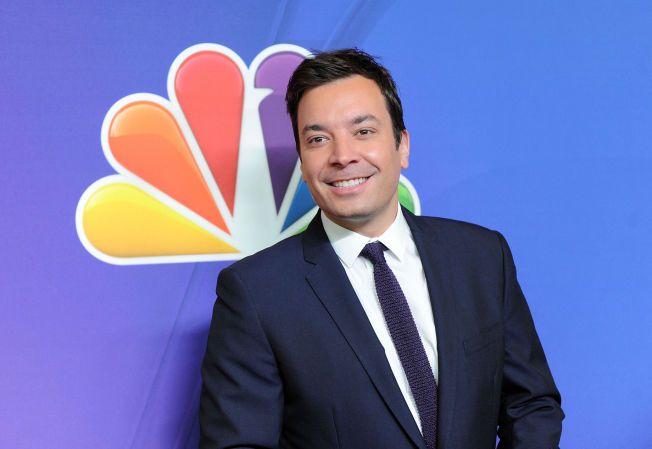 GRUNN TIL Å SMILE: «Tonight Show» spilles inn i New York hver uke, og de neste seks årene er det altså Jimmy Fallon som vil sitte i sjefsstolen. Det er han antagelig godt fornøyd med.