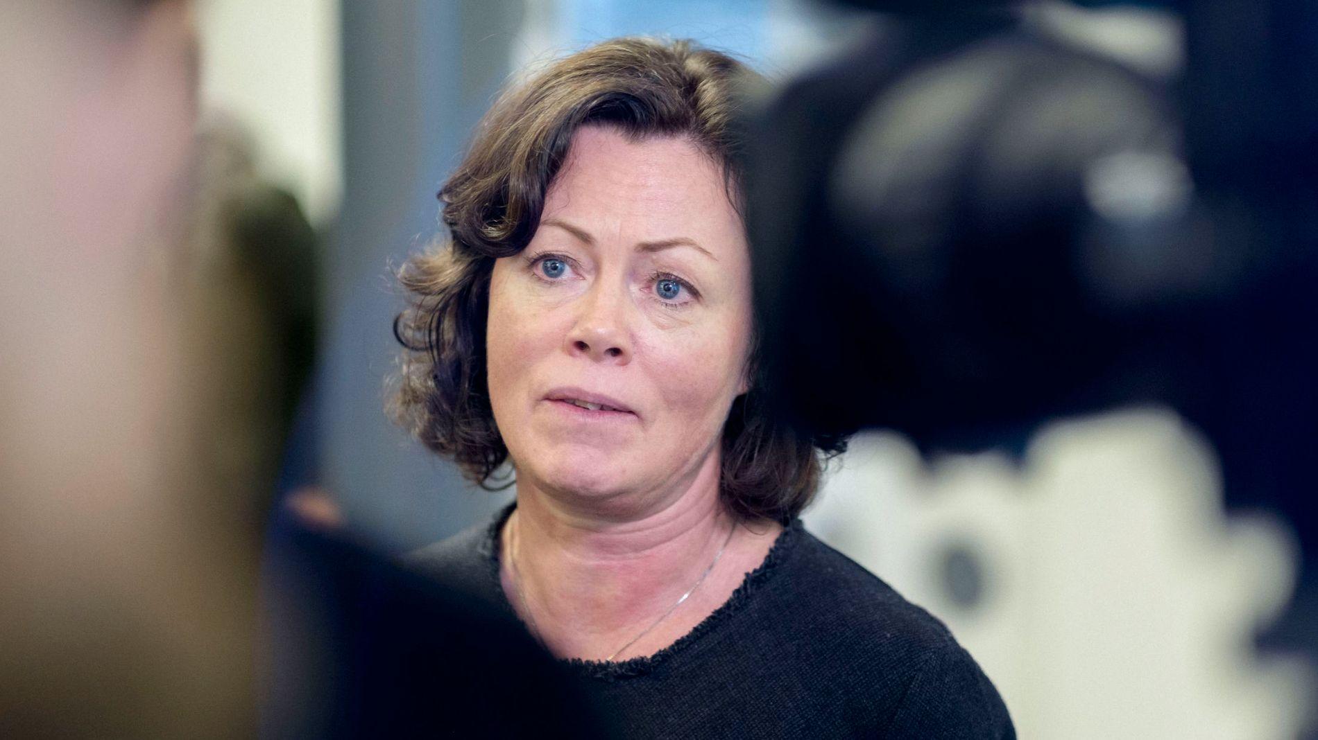 VIL STRAMME INN: Det er for lett å ta opp mye forbrukslån, og markedsføringen er for aggressiv, mener barne- og likestillingsminister Solveig Horne (Frp), som har ansvar for forbrukeres rettigheter.