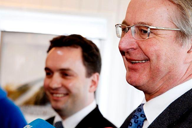 VIPPE VIPPE: Byrådsleder Stian Berger Røsland (t.v) og Oslos ordfører Fabian Stang vil ikke kaste kortene hvis De Grønne havner på vippen i Oslo.