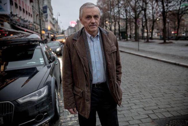 SLAKTER: Styregrossisten og superveteranen i norsk næringsliv, Inge K. Hansen (69) fastslår at Telenor er i full krise. Han mener den ferske konsernsjefen, Sigve Brekke (56), må gå av.