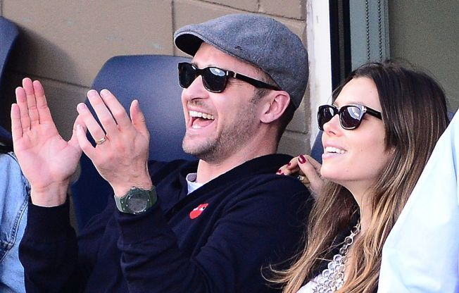 KLAPPER AV GLEDE: Justin Timberlake og Jessica Biel er blitt foreldre. Bildet er tatt da paret var på en tenniskamp.