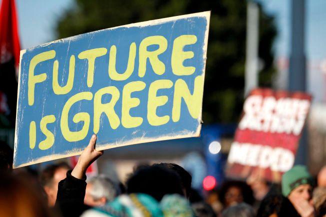 DEMONSTRERTE: Denne helgen samlet mennesker seg til klimamarsjer verden over, med ønsker og håp om en grønnere fremtid.